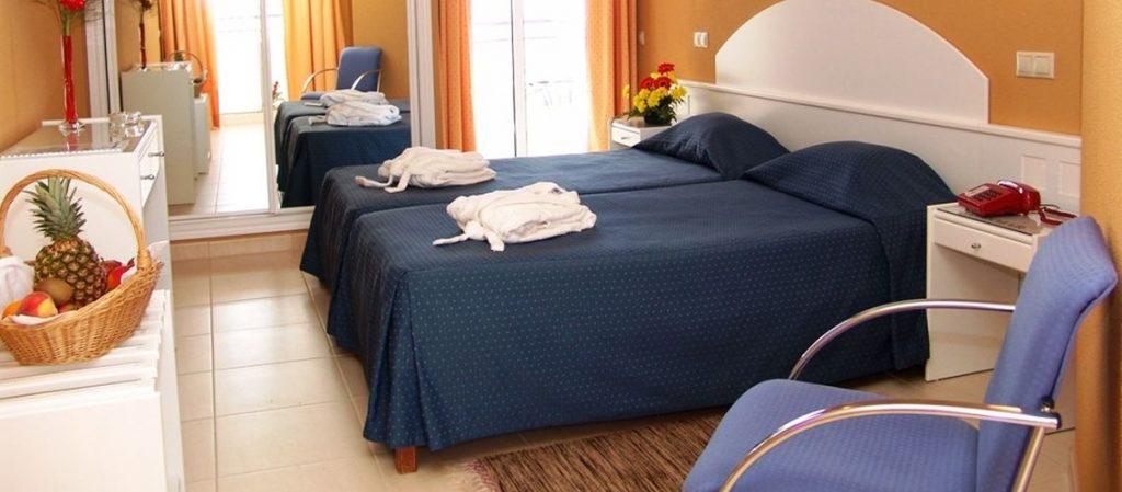 hotel atismar room atis mar quarto1